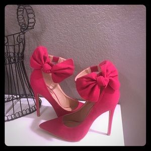 Shoe Republic pump